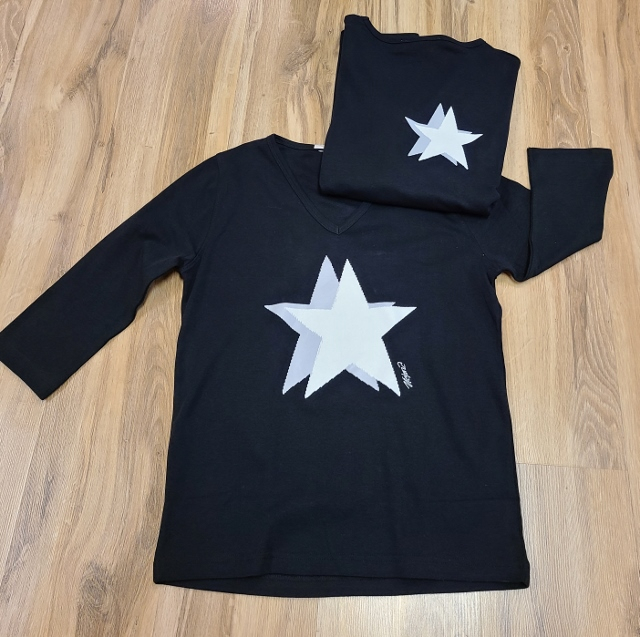 Artist Double Star V Neck 3/4 Sleeve Tops