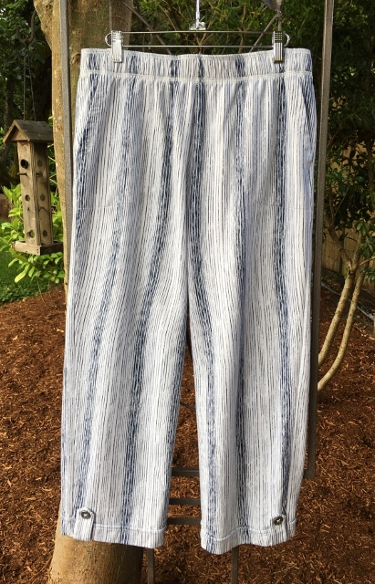 Variegated Stripped Capri Pant