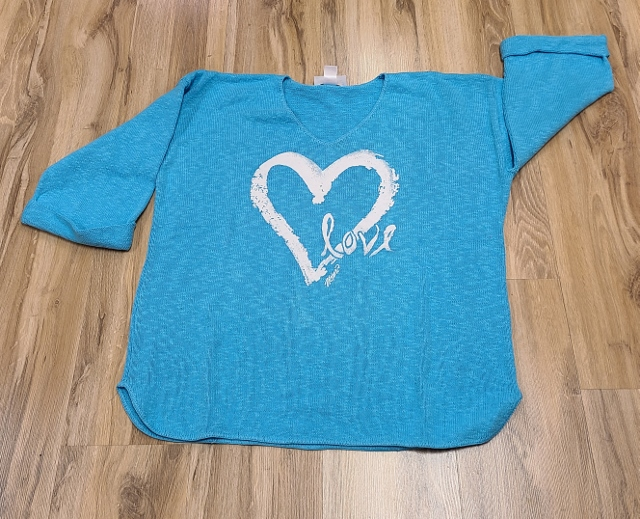 One Size Artsy Painted Heart Love Sweaters