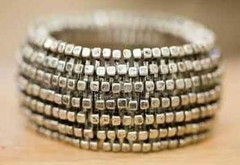 Vintaged Silver Square Nail Head Stretch Bracelet