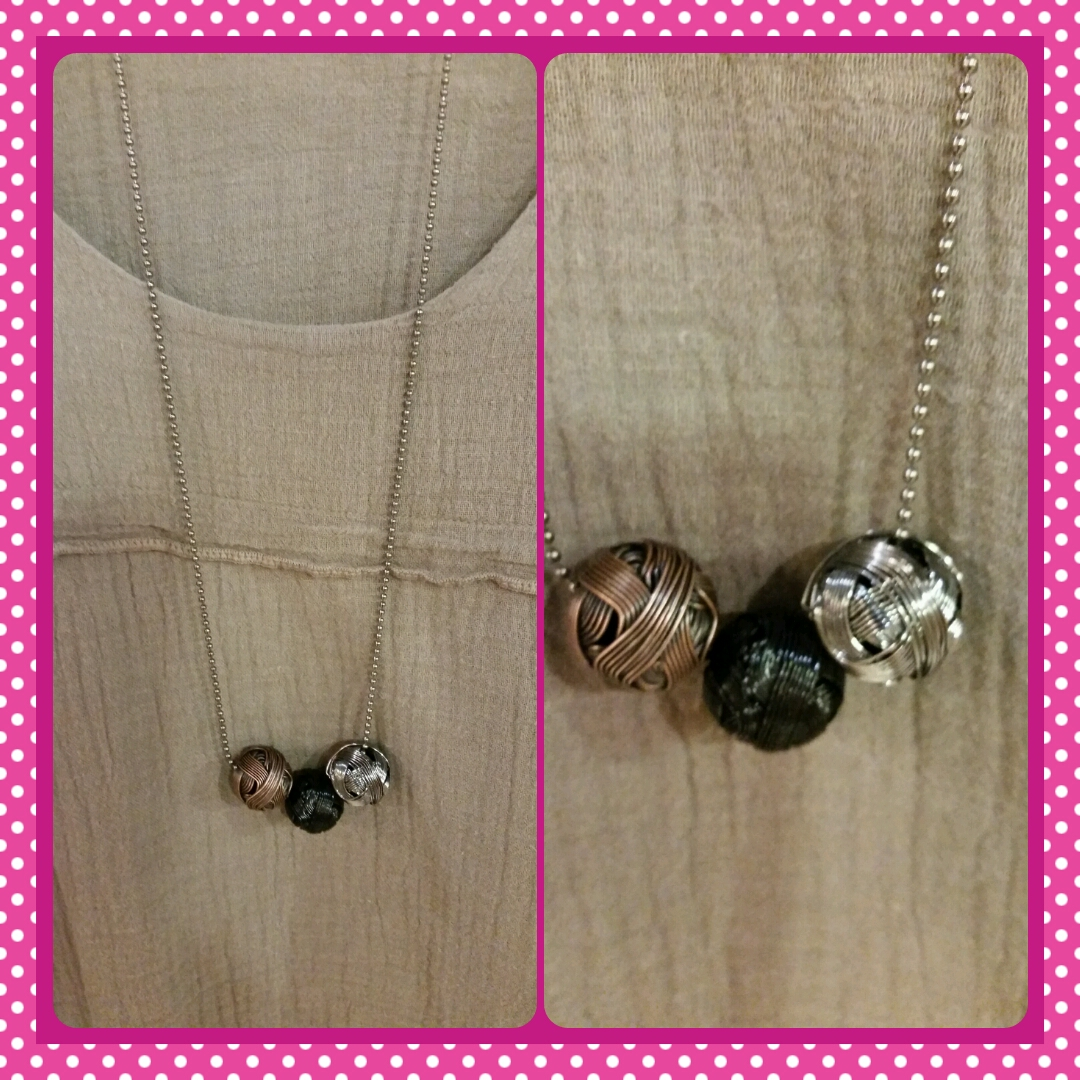 3 Metal Ball Necklace